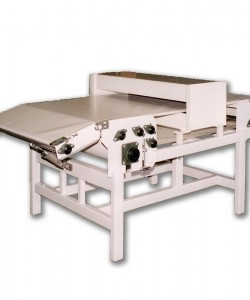 Motorised processing table